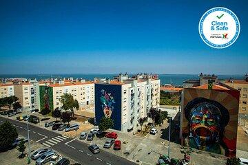 Mon Ami Maravilha - Lisbon Street Art Tuk Tuk Tour