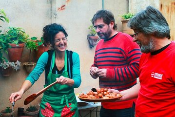 Private Mallorca: Making Paella Cooking Class with a Local