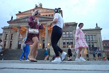 Silent disco through downtown Berlin with flash mobs