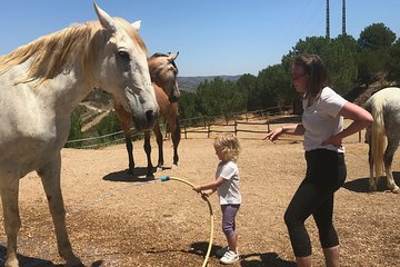 Horse Experience For Children: Lead Rein Riding