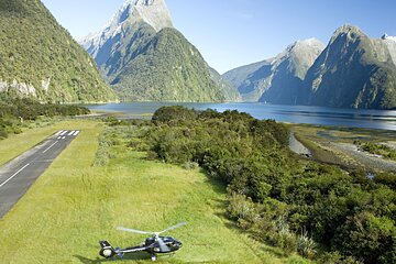 Milford Sound Helicopter Flight and Cruise from Queenstown