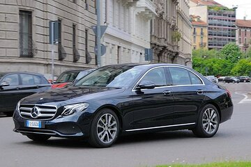 Private Luxury Transfer from Linate Airport to Milan