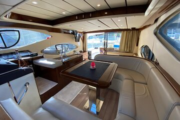 Private 2-Hour Yacht Tour in Istanbul