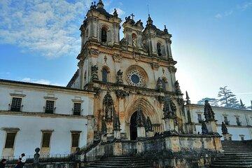 Transfer Lisboa with visits to Tomar, Batalha, Alcobaça and Óbidos