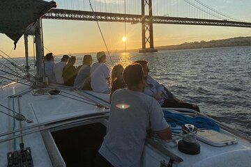 Sunset Tour - Boat Tour to the Sunset in Lisbon