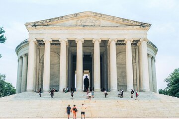 Half-Day Grand Sightseeing Tour of Washington DC with Stops at 8 Top Sites