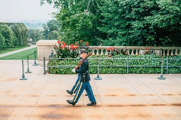 Arlington National Cemetery Guided Walking Tour with Changing of the Guards