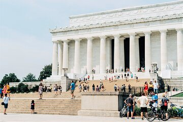 """Washington DC """"Morning Monuments"""" Guided City Tour with Arlington Cemetery Entry"""