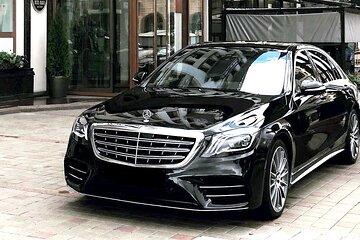 Departure Private Transfer: Berlin to Brandenburg Airport BER in Luxury Car