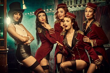 Showgirls of Burlesque by Gl'Amouresque