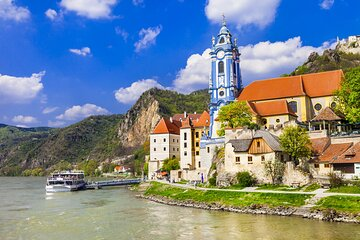 Vienna: Melk Abbey and Schonbrunn Palace Private Guided Tour