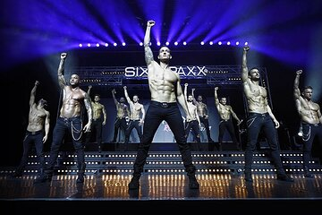 Sixx Paxx Theater Hamburg Show