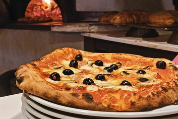 Rome: Pizza Cooking Class combined with Guided Sightseeing