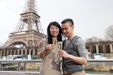 Eiffel Tower Tour with Summit Access and Seine Champagne Cruise