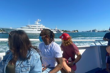 Mojito Bar Happy Hour 90 Min Sightseeing Cruise on Biscayne Bay Miami