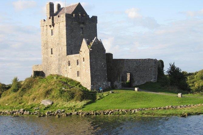 Skip the Line: Dunguaire Castle Medieval Banquet Ticket
