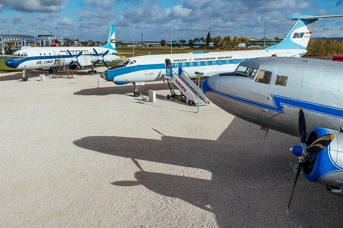 Hoppa över linjen: Aeropark Aviation Museum Entrance Ticket
