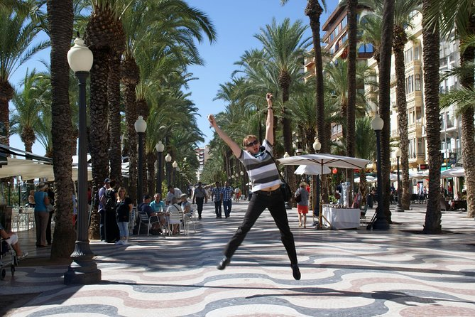 3-Hour Walking Tour of Alicante photo 2