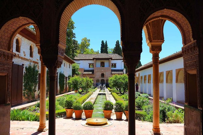 10-Day Guided Tour Morocco and Andalusia from Madrid