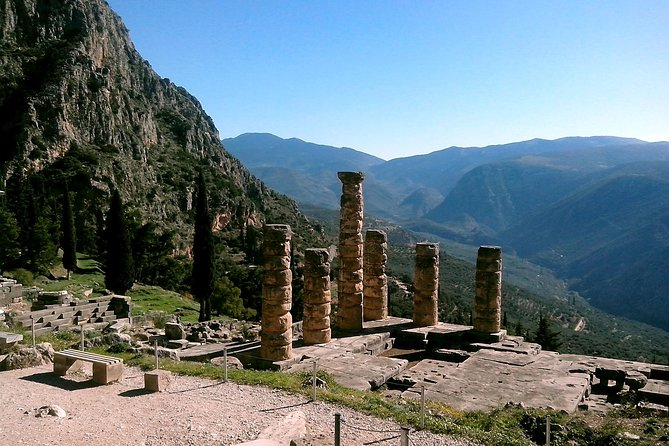 Private Full-Day Tour to Delphi, Arachova, & Hosios Loukas Monastery from Athens