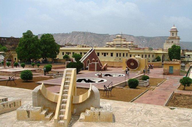 City Tour and Village Walk in Jaipur