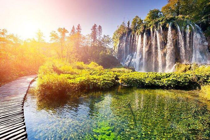 Plitvice Lakes Private Tour with Lunch and Cheese Tasting Tour from Zagreb