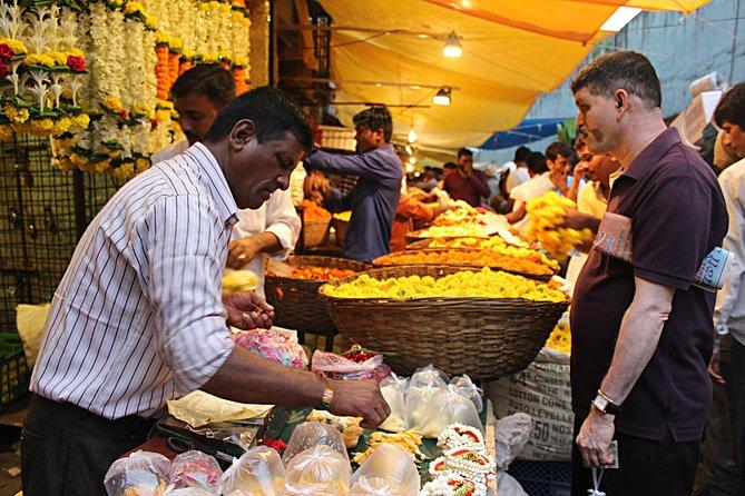 Guten Morgen Mumbai: Die spirituelle & farbenfrohe Morgen Tour