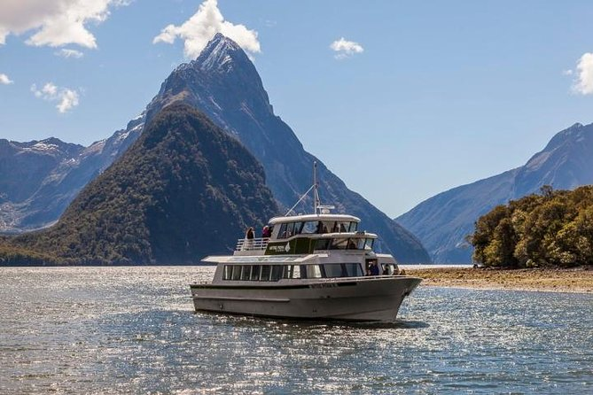 Queenstown to Milford Sound Private Luxury Day Tour