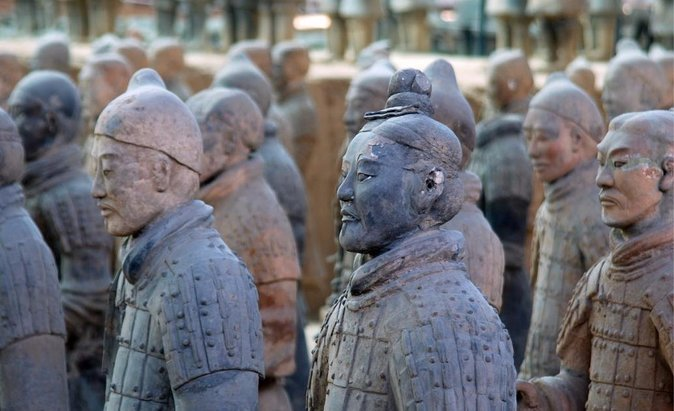 2 Days Xian Customized Tour for Terracotta Warriors and More photo 1