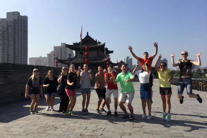 2-Day Classic Xi'an Tour Combo Package: Terracotta Warriors and Downtown Sightseeing