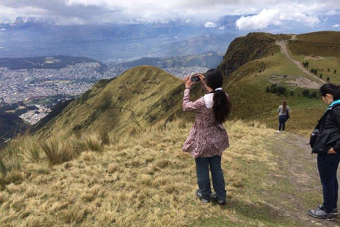 Quito City Tour Including Teleférico and Horse Ride in Pichincha Volcano