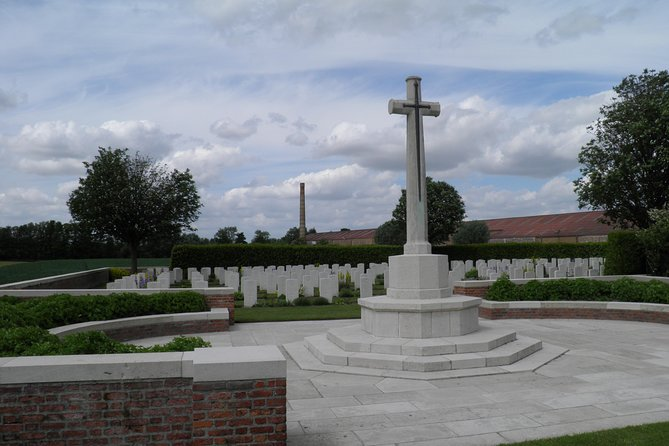 Private Full-Day Canadian WW1 Vimy and Somme Battlefield Tour from Bruges