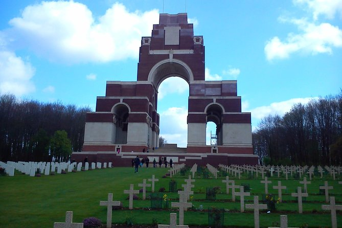 Australian and New Zealand Battlefield Day Tour in the Somme from Lille or Arras