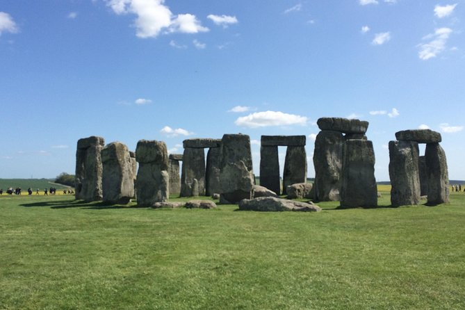 London to Southampton Cruise Port Including Stonehenge