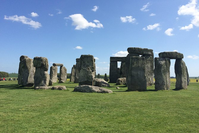 Private Arrival Port Transfer: Southampton Cruise Terminal to Central London Via Stonehenge