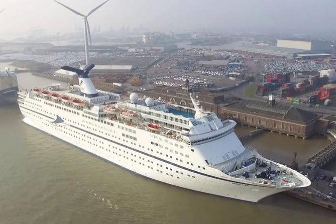 Tilbury Cruise Terminal to Gatwick Airport Private Arrival Transfer