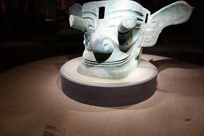 Sanxingdui Ruins and Giant Pandas Private Day Tour from Chengdu