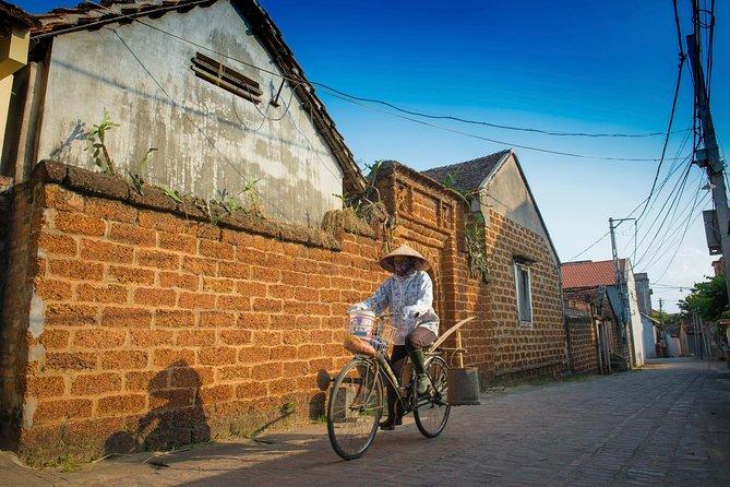 Dagstur til Duong Lam Ancient Village fra Hanoi