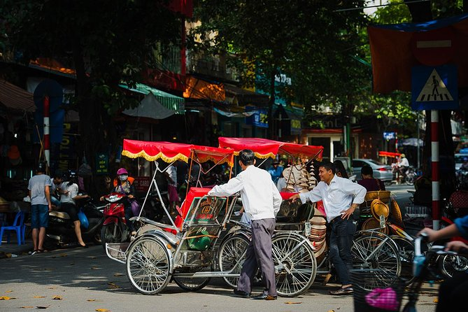 Private Tour: Hanoi Highlights full day trip Rickshaw included
