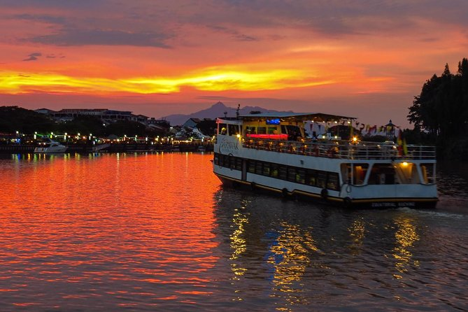 Kuching City Tour & Sunset River Cruise