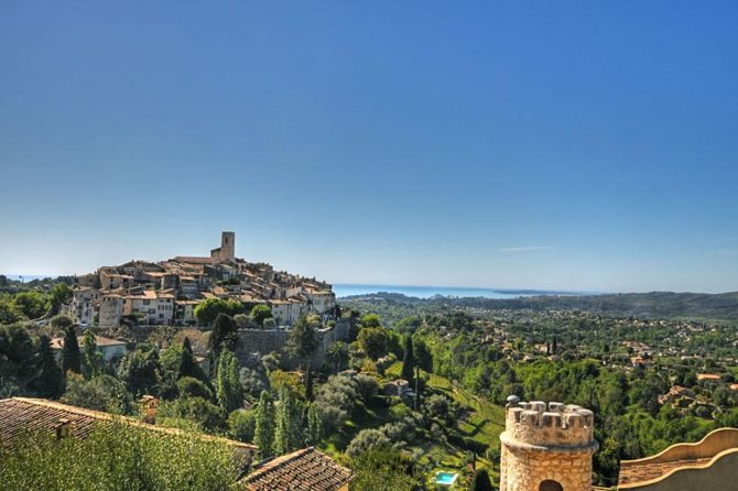 Small-Group Half-Day Tour to St-Paul-de-Vence, Antibes and Cannes from Nice