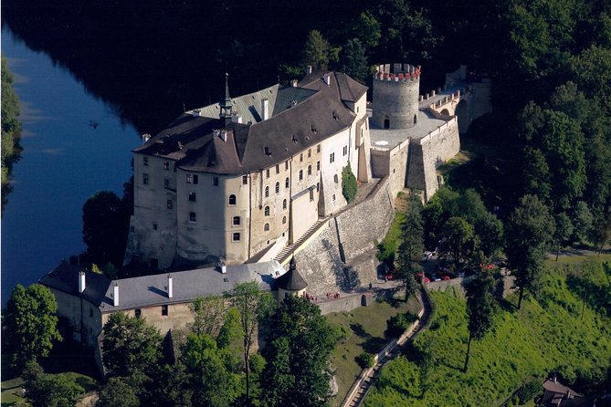 Private Tour from Prague to Cesky Sternberk Castle, Chateau Zleby, Kacina Chateau, and Sedlec Ossuary, with Lunch