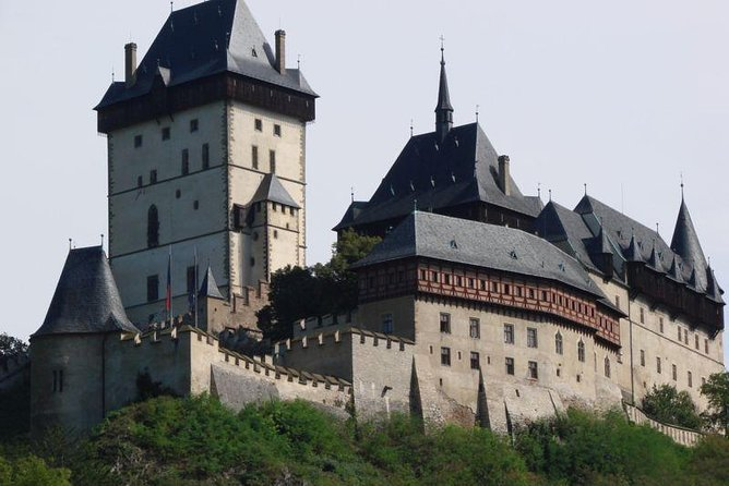 Private Full-Day Tour Karlstejn Castle and Crystal Glassworks from Prague