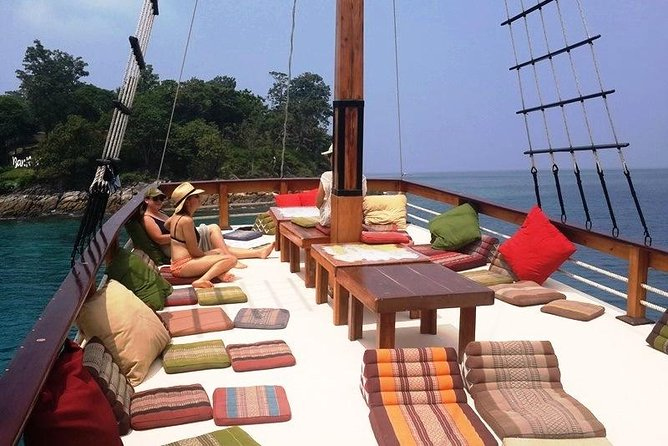 Relaxing Boat Tour With Snorkeling Away From The Crowd in Phuket