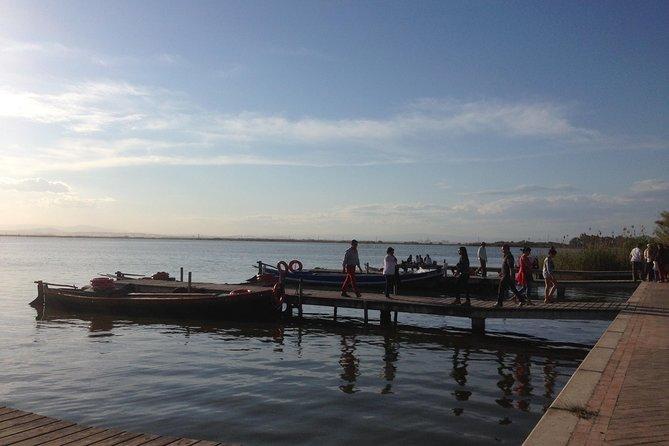 Walk in a boat inside the lake