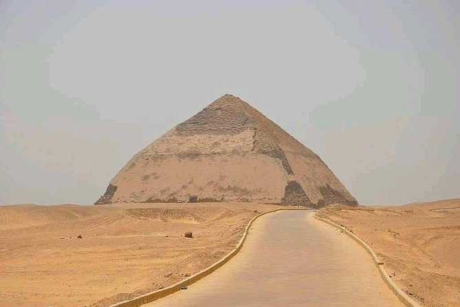 Cairo tour/ Full day tour to Dahshure, Saqqara and Giza Pyramids including lunch