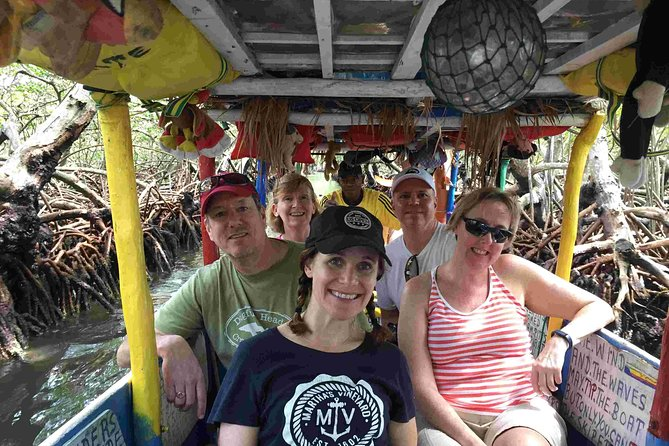 Roatan Ultimate Nature Combo: Mangrove Cruise, Horseback Riding, Beach & Snorkel