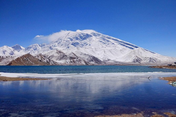 Private Day trip to Karakul Lake from Karshgar with Horse Riding Option