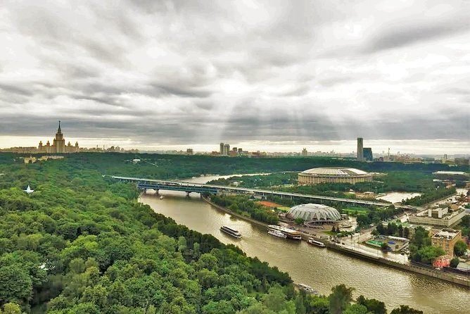 Moscow Car Tour with Best Observation Decks