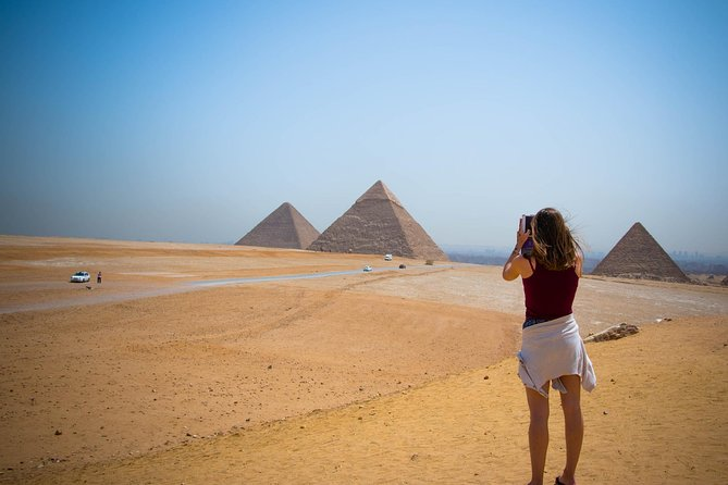 Day Tour to Giza Pyramids, Memphis and Saqqara with Lunch from Cairo